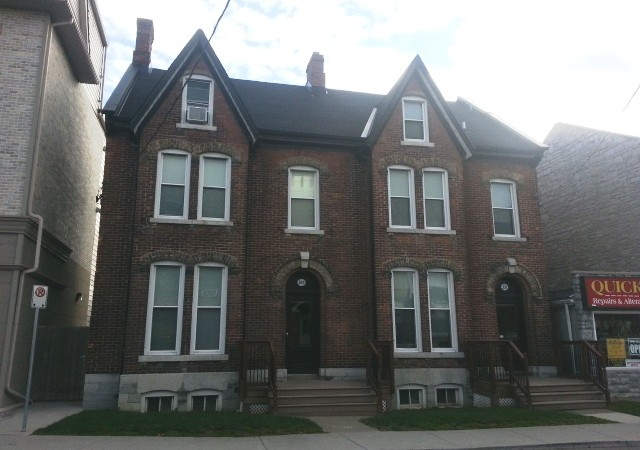 One bedroom apartment for rent in kingston 331 barrie st unit 3 panadew property management for 3 bedroom house for rent kingston ontario