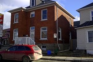 Four bedroom kingston apartment for rent 147 division unit 2 panadew property management kingston for 3 bedroom house for rent kingston ontario