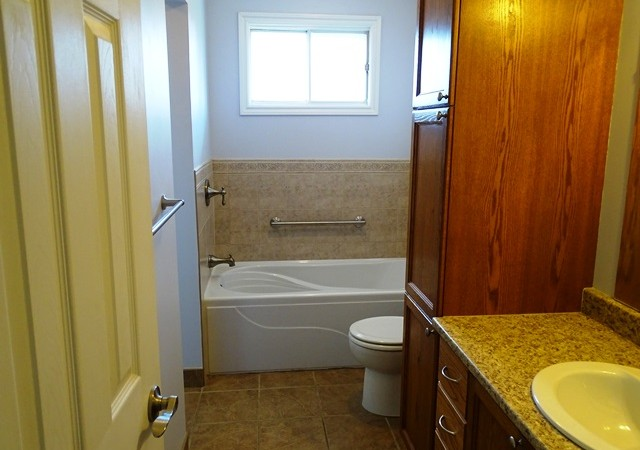 Three bedroom home for rent in kingston 745 selkirk rd panadew property management kingston for 3 bedroom house for rent kingston ontario