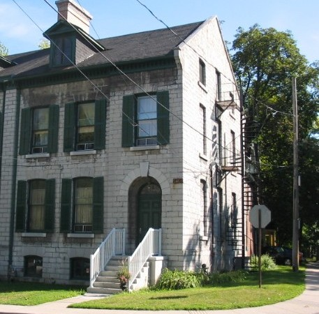 Kingston one bedroom apartment for rent 134 earl st unit 2 panadew property management kingston for 3 bedroom house for rent kingston ontario