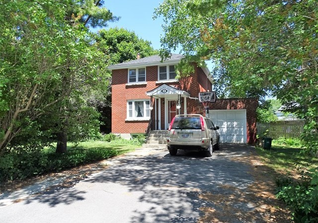 Three bedroom home for rent in kingston 131 churchill cres panadew property management kingston for 3 bedroom house for rent kingston ontario