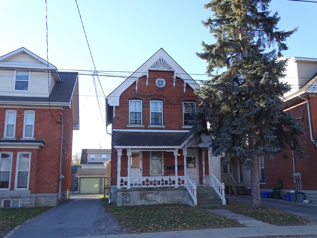 Four Bedroom Unit for Rent in Downtown Kingston 394 Brock ...